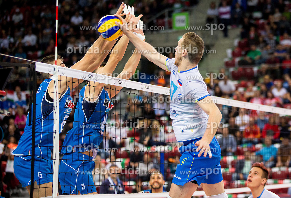 Tine Urnaut #17 of Slovenia during volleyball match between National teams of Slovenia and Italy in 1st Semifinal of 2015 CEV Volleyball European Championship - Men, on October 17, 2015 in Arena Armeec, Sofia, Bulgaria. Photo by Vid Ponikvar / Sportida