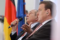23 JAN 2003, BERLIN/GERMANY:<br /> Jacques Chirac (L), Praesident Frankreich, und Gerhard Schroeder (R), SPD, Bundeskanzler, waehrend einer Diskussion mit 500 Jugendlichen des deutsch-franzoesischen Jugendparlaments, Bundeskanzleramt<br /> IMAGE: 20030123-01-023<br /> KEYWORDS: Gerhard Schröder