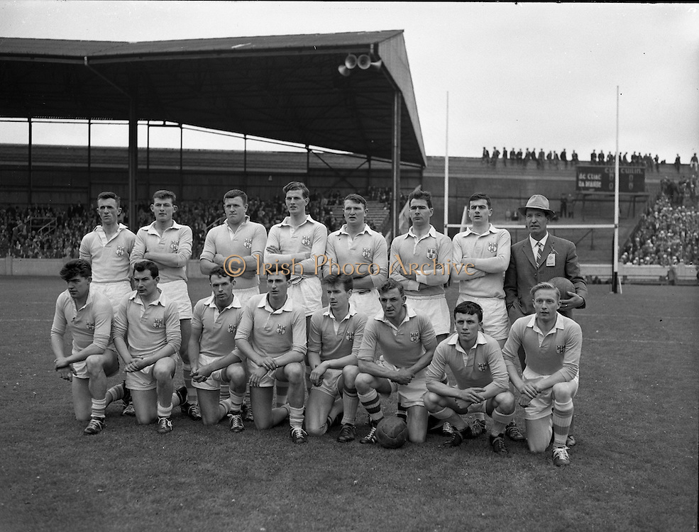 Senior Football Final, Dublin v Offaly..1962..15.07.1962..07.15.1962..15th July 1962..Today saw the final of the Leinster Senior Football championship, The Delaney Cup, Dublin ran out the winners with a 2-8 to 1-7 scoreline against Offaly...Image shows the Dublin team who took the field at Croke Park today. The Dublin team was captained by Kevin Heffernan (third from right front row).