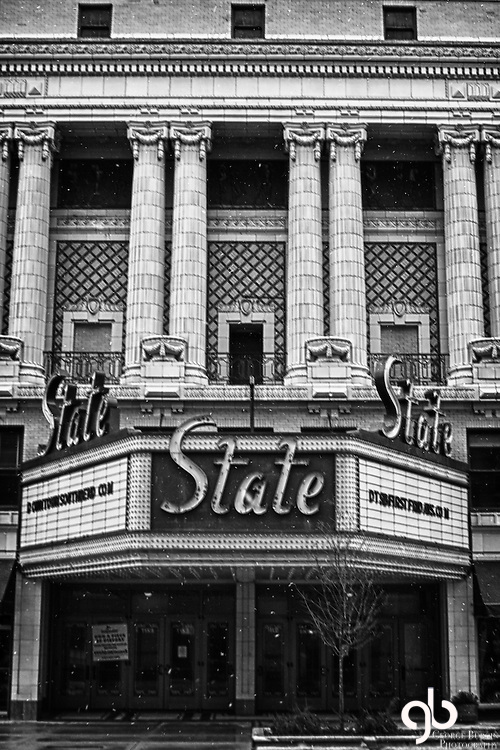 Picture of the historic State Theater in South Bend, Indiana.