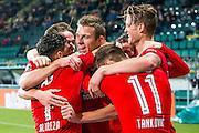 DEN HAAG - 30-10-2016, ADO Den Haag - AZ , Kyocera Stadion, 0-1, AZ speler Robert Muhren heeft de 0-1 gescoord, AZ speler Alireza Jahanbakhsh, AZ speler Wout Weghorst (r).