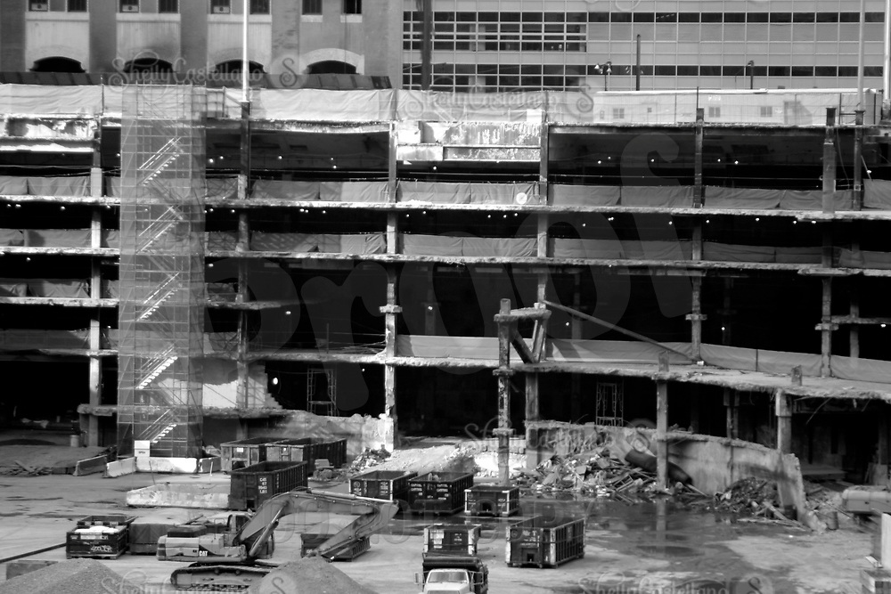Aug 16, 2002; New York, NY, USA; Detail of the 8 story removal of debris from Ground Zero in lower Manhattan in black and white.  Mandatory Credit: Photo by Shelly Castellano/ZUMA Press. (©) Copyright 2002 by Shelly Castellano