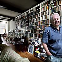 Nederland, Amsterdam , 9 augustus 2011..Voormalige uitgever van Atlas en  uitgeefdirecteur van Amstel Uitgevers..Foto:Jean-Pierre Jans