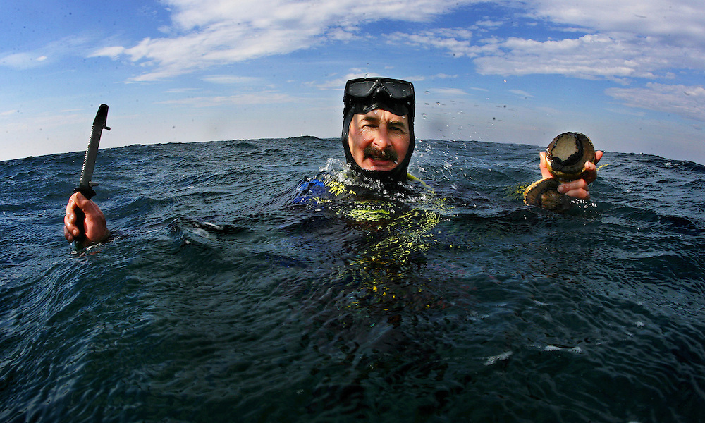 Abalone diver Lou Benetti off Flinders  Pic By Craig Sillitoe  25/04/2008 melbourne photographers, commercial photographers, industrial photographers, corporate photographer, architectural photographers, This photograph can be used for non commercial uses with attribution. Credit: Craig Sillitoe Photography / http://www.csillitoe.com<br />