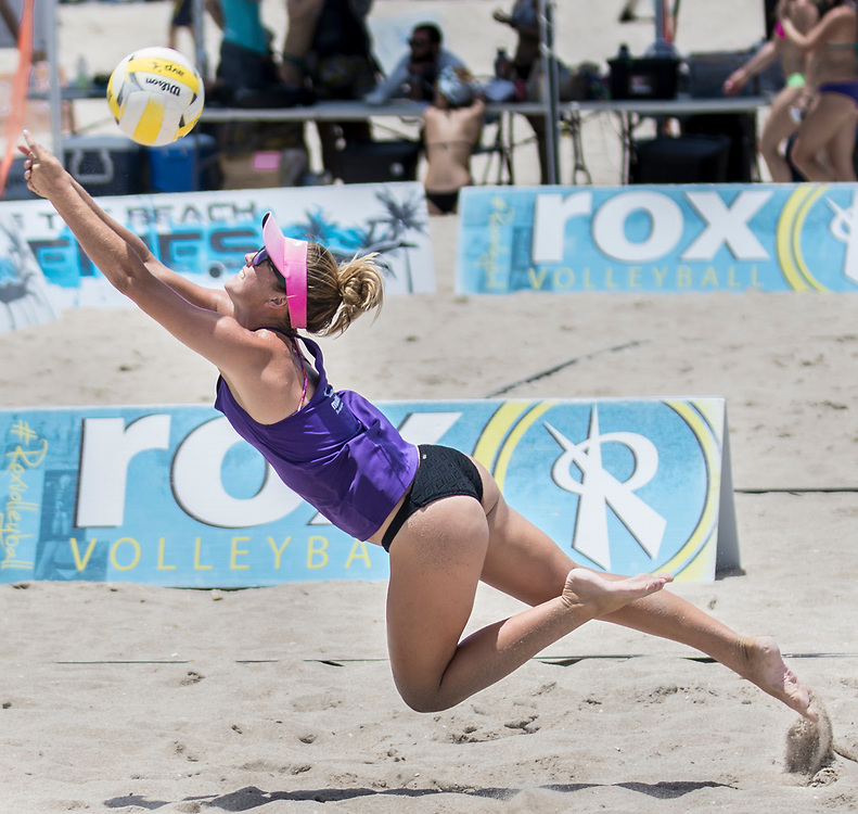 Dig the Beach Volleyball Series at Fort Lauderdale Beach on Saturday July 22, 2017. <br /> <br /> photo by Samuel Navarro