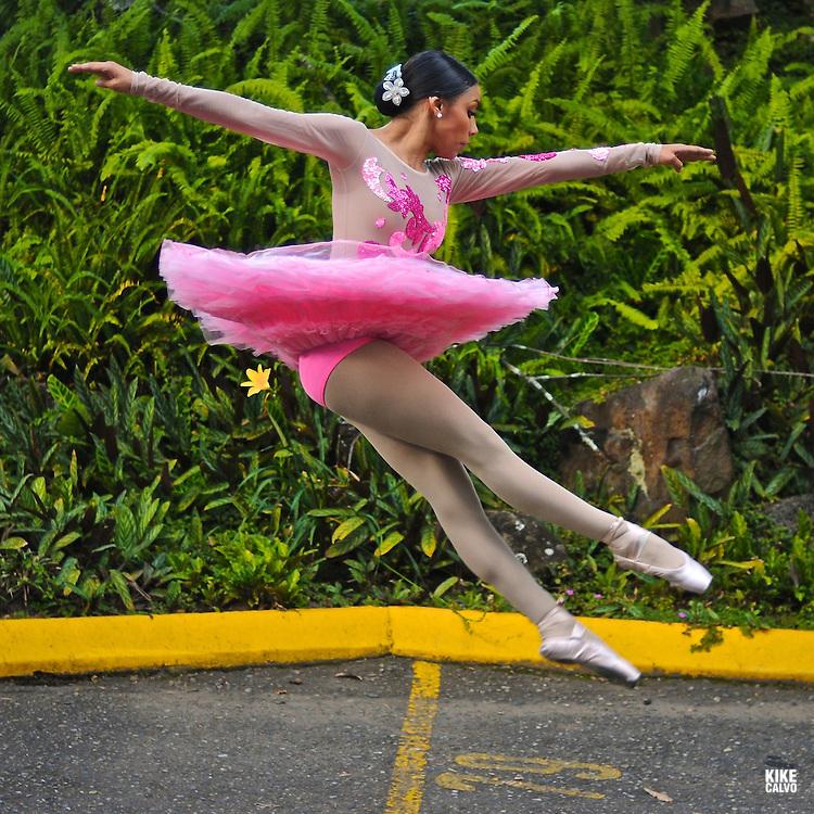 Ballet Folklorico de Antioquia . Antioquia´s Folkloric Ballet