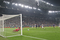 October 14, 2017 - Turin, Piedmont, Italy - Paulo Dybala (Juventus FC) misses the penalty during the Serie A football match between Juventus FC and SS Lazio at Olympic Allianz Stadium on 14 October, 2017 in Turin, Italy. (Credit Image: © Massimiliano Ferraro/NurPhoto via ZUMA Press)
