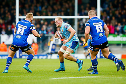 Josh Caulfield of Exeter Chiefs is marked by Ross Batty of Bath Rugby- Mandatory by-line: Ryan Hiscott/JMP - 03/11/2018 - RUGBY - Sandy Park Stadium - Exeter, England - Exeter Chiefs v Bath Rugby - Premiership Rugby Cup