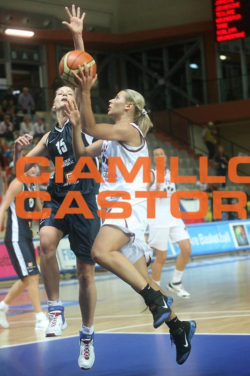 DESCRIZIONE : Vasto Italy Italia Eurobasket Women 2007 Lettonia Repubblica Ceca Latvia Czech Republic <br /> GIOCATORE : Anete Jekabsone Zogota <br /> SQUADRA : Lettonia Latvia <br /> EVENTO : Eurobasket Women 2007 Campionati Europei Donne 2007<br /> GARA : Lettonia Repubblica Ceca Latvia Czech Republic <br /> DATA : 26/09/2007 <br /> CATEGORIA : Penetrazione <br /> SPORT : Pallacanestro <br /> AUTORE : Agenzia Ciamillo-Castoria/G.Landonio <br /> Galleria : Eurobasket Women 2007 <br /> Fotonotizia : Vasto Italy Italia Eurobasket Women 2007 Lettonia Repubblica Ceca Latvia Czech Republic <br /> Predefinita :
