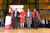 26 OCT 2019, BERLIN/GERMANY:<br /> Malu Dreyer, SPD, Ministerpraesidentin Rheinland-Pfalz, Olaf Scholz, SPD, Bundesfinanzminister, Klara Geywitz, SPD Brandenburg, Norbert Walter-Borjans, SPD, Landesminister a.D., Saskia Esken, MdB, SPD,  (v.L.n.R.), wahrend der Bekanntgabe der SPD-Mitgliederbefragung  zur Wahl des neuen Parteivorsitzes, Willy-Brandt-Haus<br /> IMAGE: 20191026-01-036<br /> KEYWORDS: Verkündung, Verkeundung