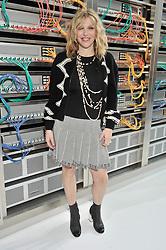 Courtney Love bei der Chanel Modenschau während der Paris Fashion Week / 041016<br /> <br /> ***Chanel fashion show as part of Paris Fashion Week on october 04, 2016 in Paris***