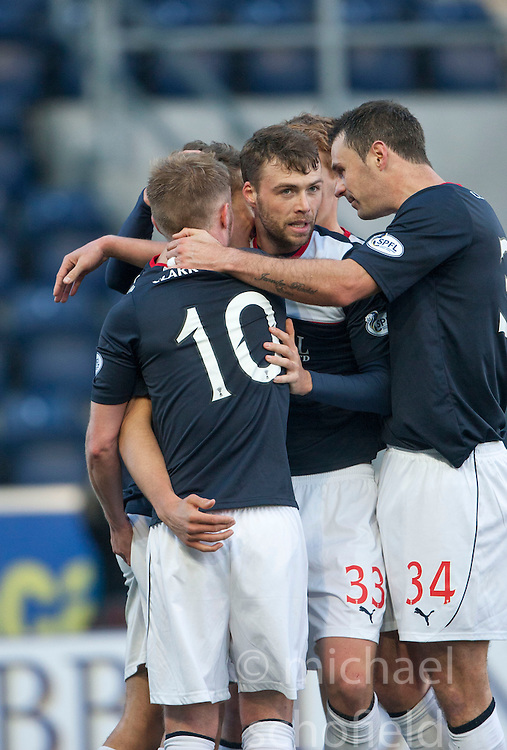 Falkirk's Will Vaulks cele with team mates, scoring their goal.<br />