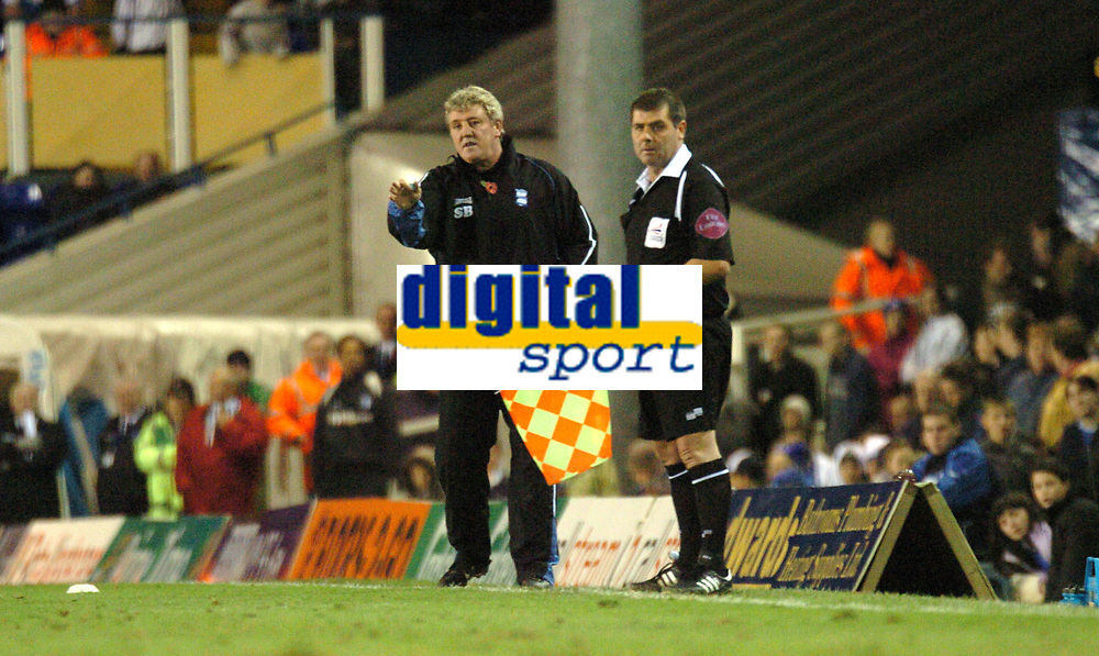 Photo: Ian Hebden.<br />Birmingham City v Barnsley. Coca Cola Championship. 11/11/2006.<br />Birmingham manager Steve Bruce (L) issues instructions during the game.