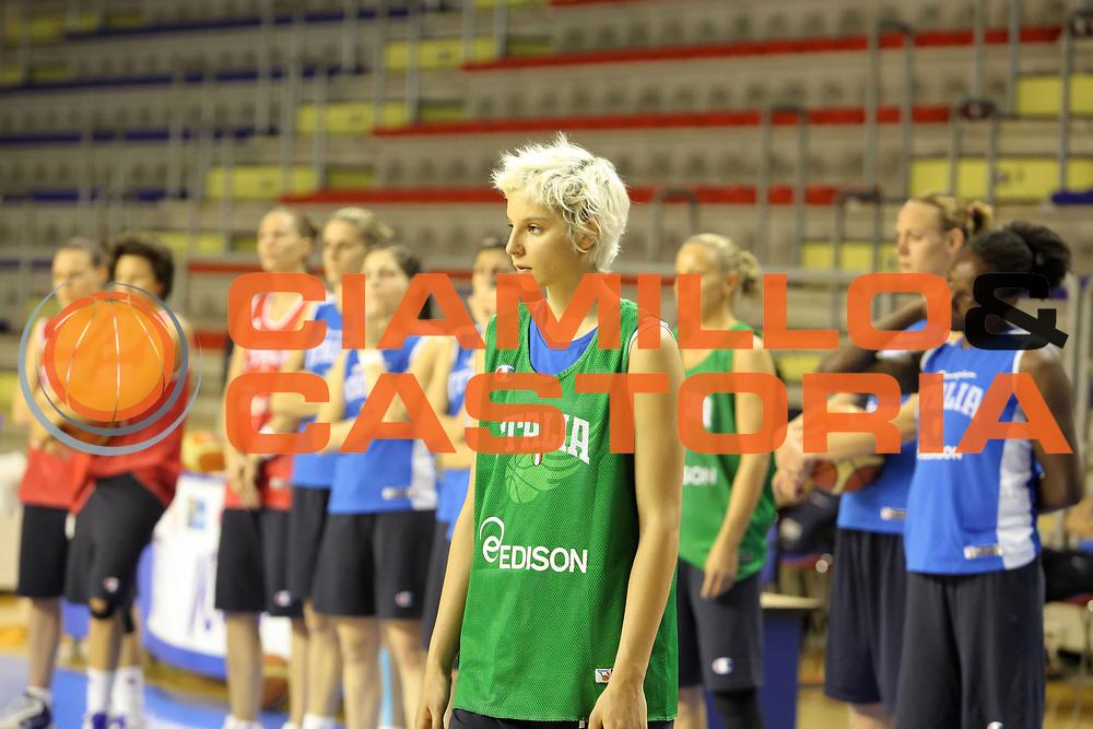 DESCRIZIONE : Taranto Ritiro Nazionale Italiana Donne<br /> GIOCATORE : Sabrina Cinili<br /> SQUADRA : Italia Nazionale Femminile<br /> EVENTO : Ritiro Nazionale Italiana Femminile<br /> GARA : <br /> DATA : 19/05/2011<br /> CATEGORIA : allenamenti<br /> SPORT : Pallacanestro<br /> AUTORE : Agenzia Ciamillo-Castoria/ElioCastoria<br /> Galleria : FIP Nazionali 2011<br /> Fotonotizia :  Taranto Ritiro Nazionale Italiana Donne<br /> Predefinita :