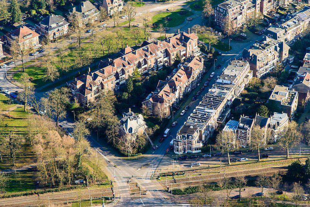 Nederland, Utrecht, Utrecht, 07-02-2018; einde Maliebaan in de wijk Buiten Wittevrouwen, met Wolter Heukelslaan, Museumlaan, Hogelandsepark, Ramstraat.<br /> Stately avenue Maliebaan.<br /> <br /> luchtfoto (toeslag op standard tarieven);<br /> aerial photo (additional fee required);<br /> copyright foto/photo Siebe Swart