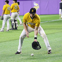 Augsburg vs UW-Superior Baseball; Game 1, March 29, 2018. Jeff Lawler, d3photography.com