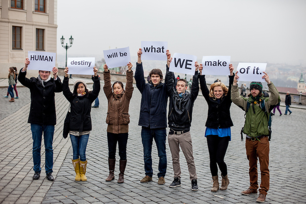 Demand Zero Day in front of Prague Castle. Four years ago at the same location President Obama announced his commitment to seek a world without nuclear weapons.