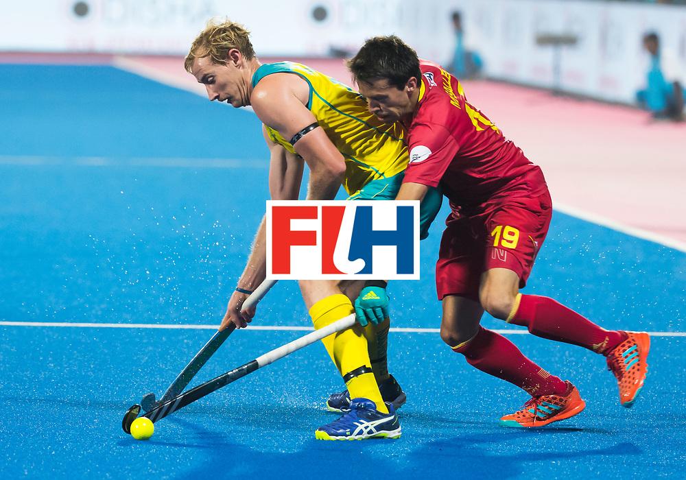 BHUBANESWAR - Aran Zalewski (Aus) met Marc Salles (Esp).   Hockey World League finals , Quarter Finals . Spanje-Australie (1-4)  COPYRIGHT KOEN SUYK