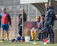 FODBOLD: Cheftræner Kim Schrøder Hansen (Ølstykke FC) under kampen i Serie 1 mellem Helsinge Fodbold og Ølstykke FC den 14. april 2018 på Helsinge Stadion. Foto: Claus Birch.