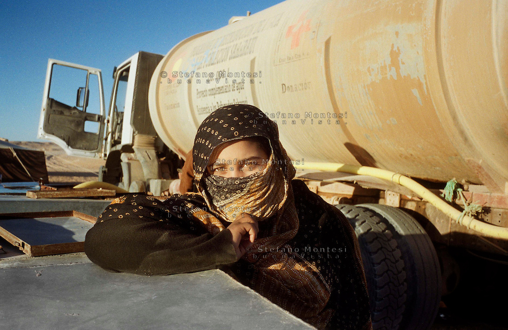 The Saharawi refugee camp  Smara..Sahrawi woman.January 2008