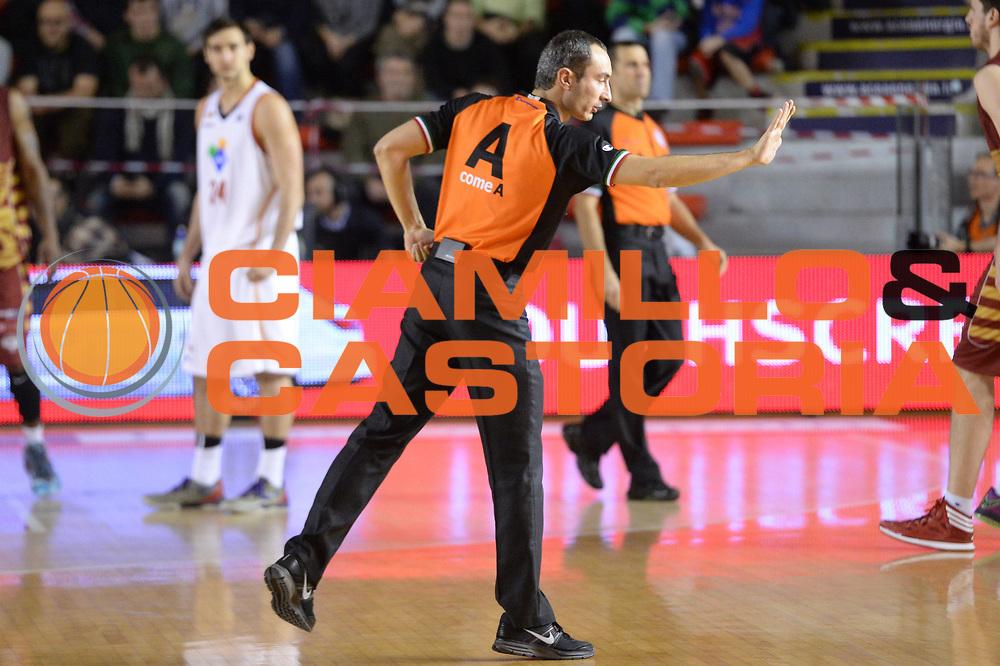 DESCRIZIONE : Campionato 2013/14 Acea Virtus Roma - Umana Reyer Venezia<br /> GIOCATORE : Lorenzo Baldini<br /> CATEGORIA : Arbitro Referee Mani<br /> SQUADRA : AIAP<br /> EVENTO : LegaBasket Serie A Beko 2013/2014<br /> GARA : Acea Virtus Roma - Umana Reyer Venezia<br /> DATA : 05/01/2014<br /> SPORT : Pallacanestro <br /> AUTORE : Agenzia Ciamillo-Castoria / GiulioCiamillo<br /> Galleria : LegaBasket Serie A Beko 2013/2014<br /> Fotonotizia : Campionato 2013/14 Acea Virtus Roma - Umana Reyer Venezia<br /> Predefinita :
