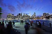 New York, 2015. One World Trade Center svetta sul nuovo skyline di  Manhattan.<br /> <br /> One World Trade Center towers over the New York City skyline.