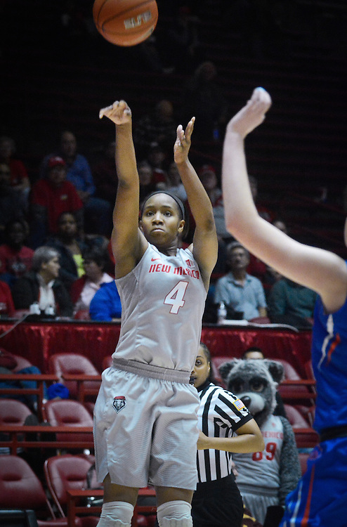 mkb011817/sports/Marla Brose<br /> UNM's #4 Alex Lapeyrolerie shoots a two-pointer in the final few minutes of Wednesday's game against Boise State, Wednesday, Jan. 18, 2017, at WisePies Arena, aka The Pit, in Albuquerque, N.M. The Lobos won 75-68 and Lapeyrolerie shot 18 points. (Marla Brose/Albuquerque Journal)