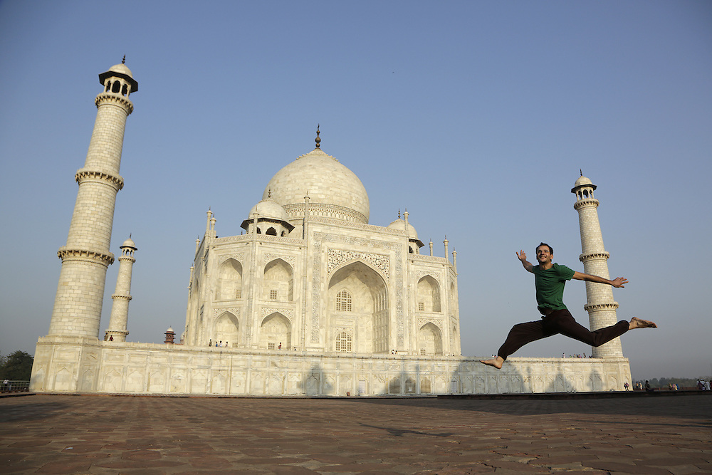 Laurent jumping in front of Taj Mahal, Agra, India