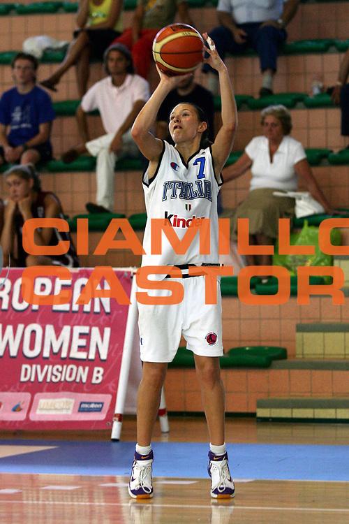 DESCRIZIONE : Chieti UMCOR U18 European Championship Women Division B Italy Ukraine<br /> GIOCATORE : Sottana<br /> SQUADRA : Italy<br /> EVENTO : UMCOR U18 European Championship Women Division B<br /> GARA : Italy Ukraine<br /> DATA : 27/07/2006<br /> CATEGORIA : Tiro<br /> SPORT : Pallacanestro<br /> AUTORE : Agenzia Ciamillo-Castoria/L.Lussoso<br /> Galleria : UMCOR U18 European Championship Women Division B<br /> Fotonotizia : Chieti UMCOR U18 European Championship Women Division B Italy Ukraine<br /> Predefinita :