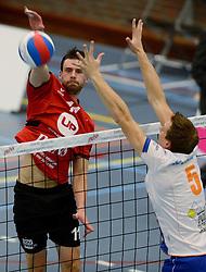 16-10-2013 VOLLEYBAL: PRINS VCV - RIVO RIJSSEN: VEENENDAAL <br /> Rivo Rijssen wint met 3-2 / Jorad de Vries<br /> ©2013-FotoHoogendoorn.nl