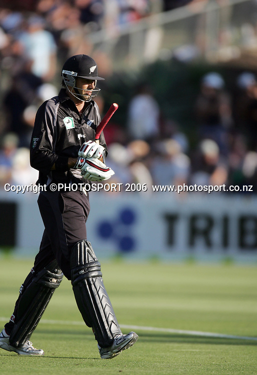 New Zealand captain Stephen Fleming make his way back to the changing rooms after being dismissed for 9 runs at the 3rd Chappell Hadlee one day match at Seddon Park, Hamilton, New Zealand on Tuesday 20 February 2007. Photo: Andrew Cornaga/PHOTOSPORT<br /><br /><br />200207