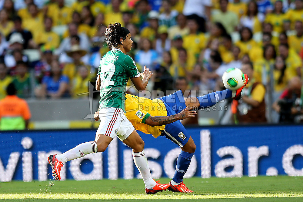Lance da partida entre Brasil e México válida pela segunda rodada da Copa das Confederações 2013, no estádio Arena Castelão, em Fortaleza-CE. FOTO: Jefferson Bernardes/Preview.com