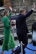 Koning Willem-Alexander, koningin Máxima en prinses Beatrix woonden maandagavond het traditionele 5 meiconcert bij op de Amstel in Amsterdam.<br /> <br /> King Willem-Alexander, Queen Maxima and Princes  Beatrix attended the traditional 5 meiconcert ( on liberatioon day ) at the Amstel River in Amsterdam.<br /> <br /> Op de foto/ On the photo:  Koning Willem-Alexander en koningin Maxima / King Willem-Alexander and Queen Maxima
