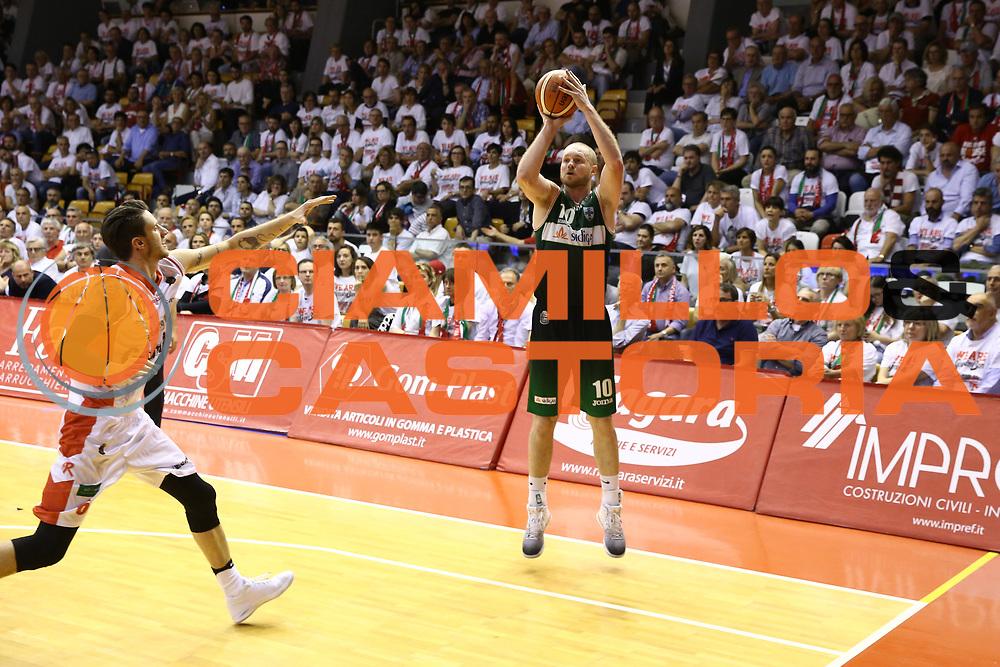 Leunen Maarten<br /> GrissinBon Reggio Emilia vs Sidigas Avellino<br /> Lega Basket Serie A 2016/2017<br /> Play Off Quarti di Finale Gara 3<br /> REggio Emilia,17/05/2017<br /> Foto Ciamillo-Castoria/A. Gilardi