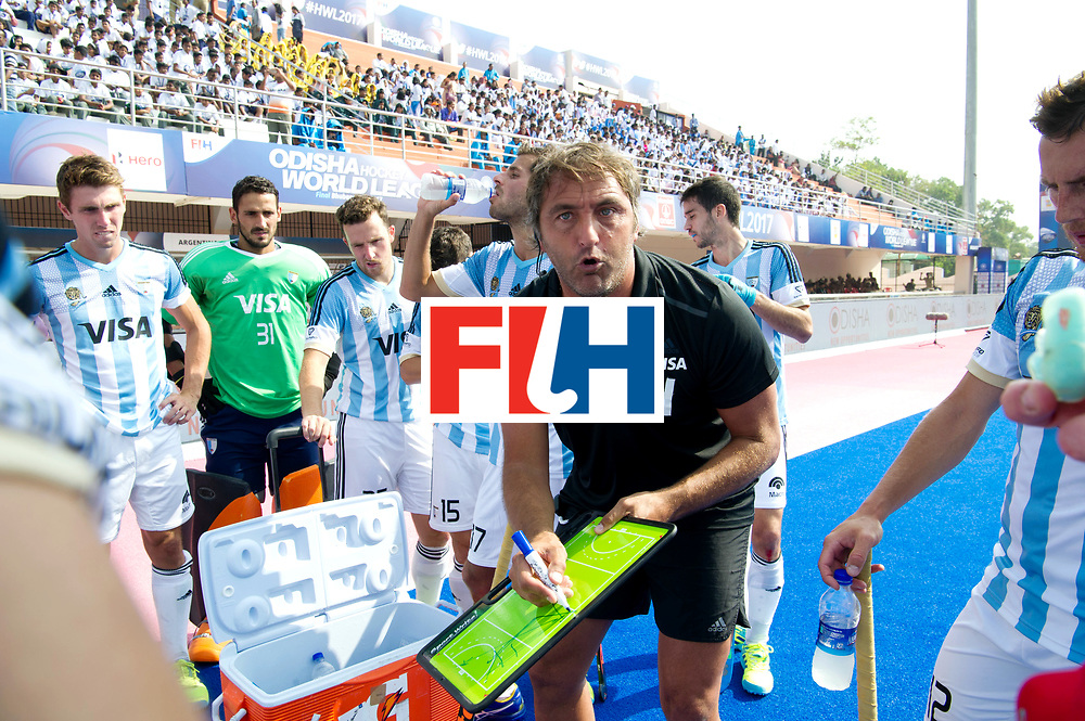 Odisha Men's Hockey World League Final Bhubaneswar 2017<br /> Match id:03<br /> Argentina v Belgium<br /> Foto: coach Carlos Retegui (Arg) in the break.<br /> WORLDSPORTPICS COPYRIGHT FRANK UIJLENBROEK