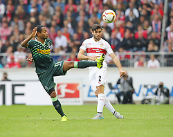 26.09.2015, Mercedes Benz Arena, Stuttgart, GER, 1. FBL, VfB Stuttgart vs Borussia Moenchengladbach, 7. Runde, im Bild Raffael ( Borussia Moenchengladbach ) rechts Emiliano Insua ( VfB Stuttgart ) // during the German Bundesliga 7th round match between VfB Stuttgart and Borussia Moenchengladbach at the Mercedes Benz Arena in Stuttgart, Germany on 2015/09/26. EXPA Pictures © 2015, PhotoCredit: EXPA/ Eibner-Pressefoto/ Langer<br /> <br /> *****ATTENTION - OUT of GER*****