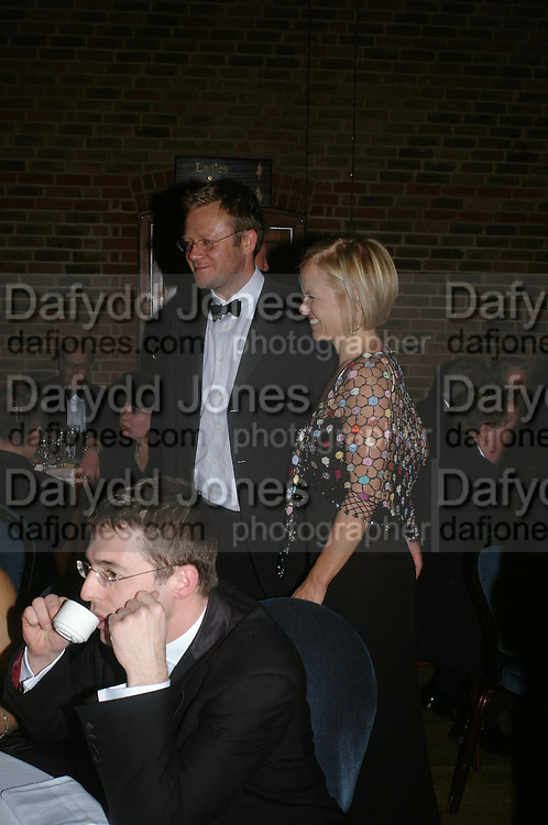 Mariella Frostrop and Jason McCue. 2004 Whitbread Book Awards. The Brewery, Chswell st. London EC1. 25 January 2005. ONE TIME USE ONLY - DO NOT ARCHIVE  © Copyright Photograph by Dafydd Jones 66 Stockwell Park Rd. London SW9 0DA Tel 020 7733 0108 www.dafjones.com