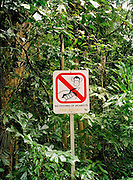 Bukit Timah Nature Preserve sign: Don't Feed the Monkeys