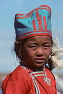 Mongolia. dalanzadgad , Gobi desert. Kid's horse race; naadam    /  Naadam de dalanzadgad dans le désert de Gobi. A l'arrivèe de la course le gagnant est tout de suite récompensé par un verre de koumis (lait de jument.  /44     /  P0000563