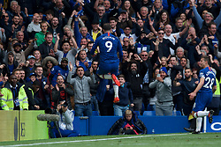 05.05.2019, Stamford Bridge, London, ENG, Premier League, FC Chelsea vs Watford FC, 37. Runde, im Bild Gonzalo Higuain of Chelsea celebrates after scoring their 3rd goal // Gonzalo Higuain of Chelsea celebrates after scoring their 3rd goal during the Premier League 37th round match between FC Chelsea and Watford FC at the Stamford Bridge in London, England on 2019/05/05. EXPA Pictures © 2019, PhotoCredit: EXPA/ Focus Images/ Alan Stanford<br /> <br /> *****ATTENTION - for AUT, GER, FRA, ITA, SUI, POL, CRO, SLO only*****