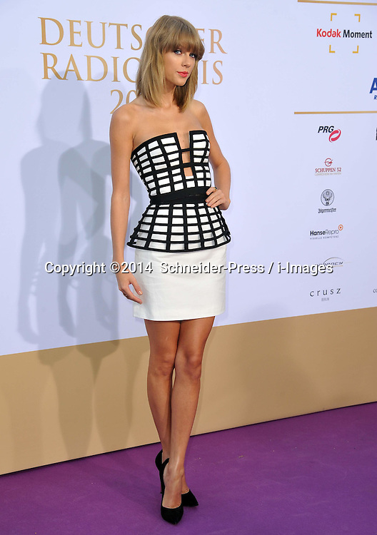 Image ©Licensed to i-Images Picture Agency. 04/09/2014. Hamburg, Germany. Taylor Swift poses before the 'Deutscher Radiopreis 2014'. Picture by Schneider-Press / i-Images<br /> UK & USA ONLY