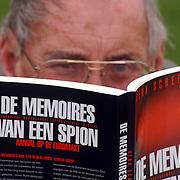 Henk Scheermeijer Havenhoofd 20 Almere, schrijver, IDB spion