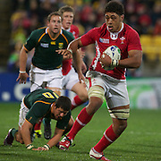 Toby Faletau, Wales makes a break during the Wales V South Africa, Pool D match during the Rugby World Cup in Wellington, New Zealand,. 11th September 2011. Photo Tim Clayton