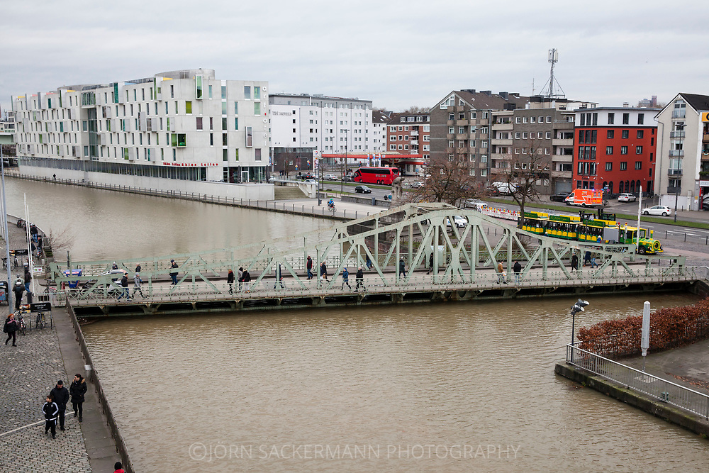 Cologne, Germany, 7. January 2018, flood of the river Rhine, swing bridge at the Rhieinau harbor.<br /> <br /> K&ouml;ln, Deutschland, 7. Januar 2018, Hochwasser des Rheins, Drehbruecke am Rheinauhafen.