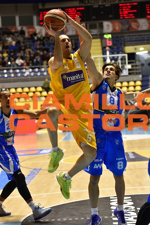 DESCRIZIONE : Torino Lega A 2015-16 Manital Torino - Betaland Capo d'Orlando<br /> GIOCATORE : Jacopo Giacchetti<br /> CATEGORIA :Serie A <br /> SQUADRA : Manital Auxilium Torino<br /> EVENTO : Campionato Lega A 2015-2016<br /> GARA : Manital Torino - Betaland Capo d'Orlando<br /> DATA : 22/11/2015<br /> SPORT : Pallacanestro<br /> AUTORE : Agenzia Ciamillo-Castoria/M.Matta<br /> Galleria : Lega Basket A 2015-16<br /> Fotonotizia: Torino Lega A 2015-16 Manital Torino - Betaland Capo d'Orlando
