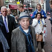 NLD/Amsterdam/20120719 - Paul Simon bezoekt de documentaire gracelind in Amsterdam