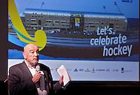 DEN HAAG - Perschef Peter de Bie van de KNHB tijdens de persbijeenkomst met betrekking tot het te houden WK hockey 2014 in het Kyocera voetbalstadion. FOTO KOEN SUYK