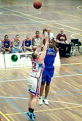 27-04-2006 BASKETBAL: PLAY OFF: BV LELY - CBV BINNENLAND: AMSTERDAM<br /> Binnenland wint ook de tweede wedstrijd en staat nu in de halve finale / Kim Lawrence<br /> ©2006-WWW.FOTOHOOGENDOORN.NL