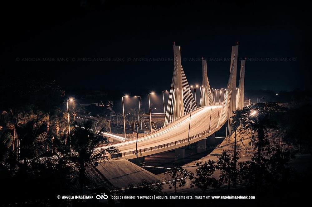 A nova ponte sobre o rio Catumbela que liga Benguela e Lobito. Província de Bengiela. Angola
