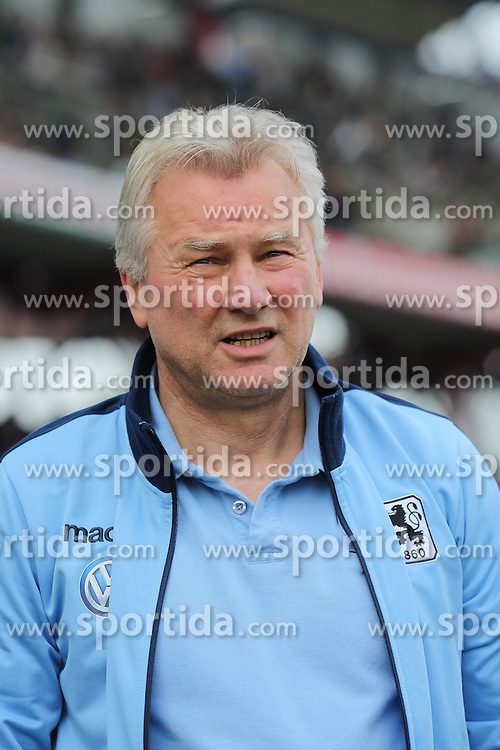 03.04.2016, Wildparkstadion, Karlsruhe, GER, 2. FBL, Karlsruher SC vs TSV 1860 Muenchen, 28. Runde, im Bild Benno Moehlmann (Trainer/TSV 1860 Muenchen) // during the 2nd German Bundesliga 28th round match between Karlsruher SC and TSV 1860 Muenchen at the Wildparkstadion in Karlsruhe, Germany on 2016/04/03. EXPA Pictures &copy; 2016, PhotoCredit: EXPA/ Eibner-Pressefoto/ Bermel<br /> <br /> *****ATTENTION - OUT of GER*****